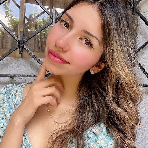 Solange Benavides picture
