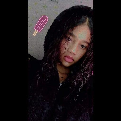 user Kelly Delgado apkdeer profile image
