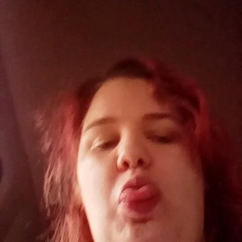 user Ashley Hansen apkdeer profile image
