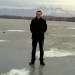 user Christopher Strawn apkdeer profile image