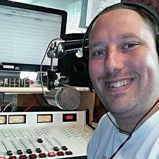 user Richard Frazier apkdeer profile image