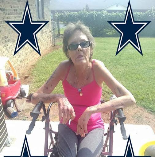 user Tina Bailey apkdeer profile image