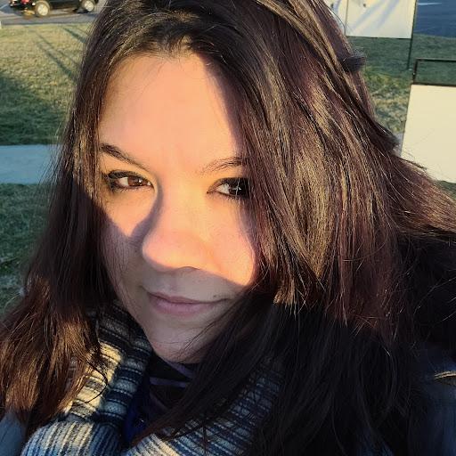 user Kellie Nichole apkdeer profile image