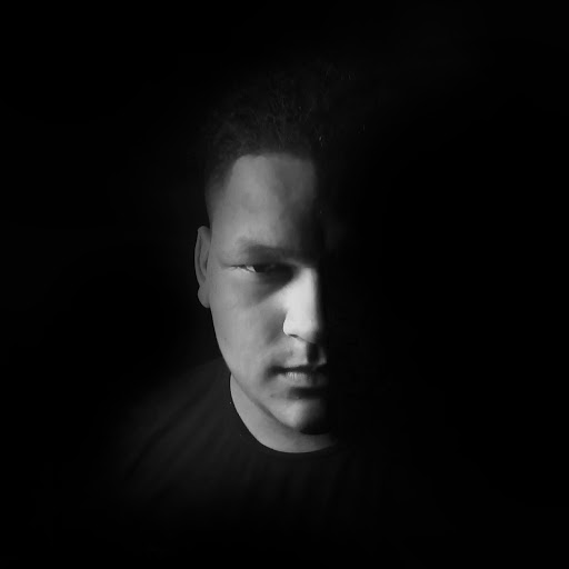 Ueslen A Navarro's avatar