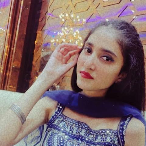 user Muskan Singhal apkdeer profile image