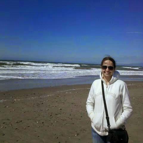 user Carrie Bina apkdeer profile image
