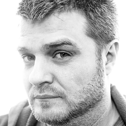 user Alexander Gugel apkdeer profile image
