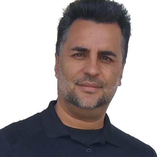 Robert Vasquez