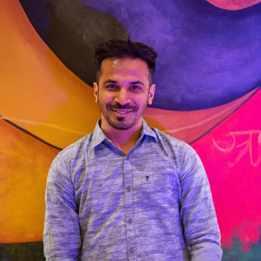 Manish Bhojwani's avatar