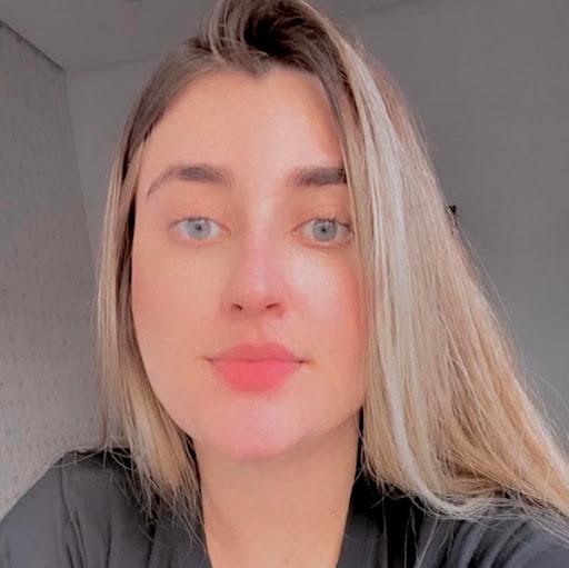 Isabela Coelho