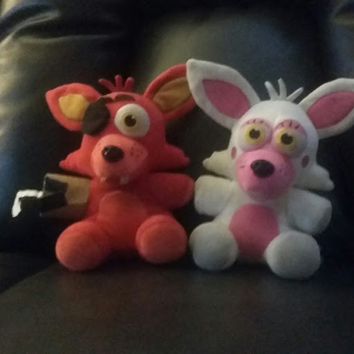 fnaf foxy and Mangle Pizzeria fnaf plush channel