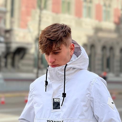 Владислав Романик