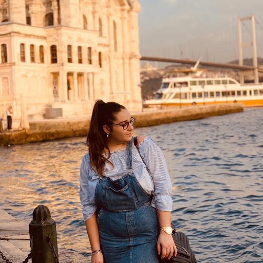 Paula oliver lopez avatar