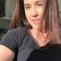 Lili Valencia 's profile image
