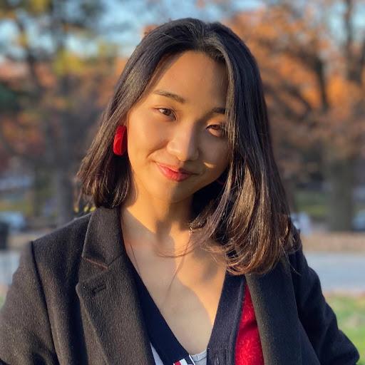 Mia SeungEun Lee
