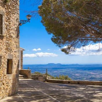 Montserrat Pibernat