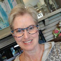 Jennie Woods, cabi Stylist