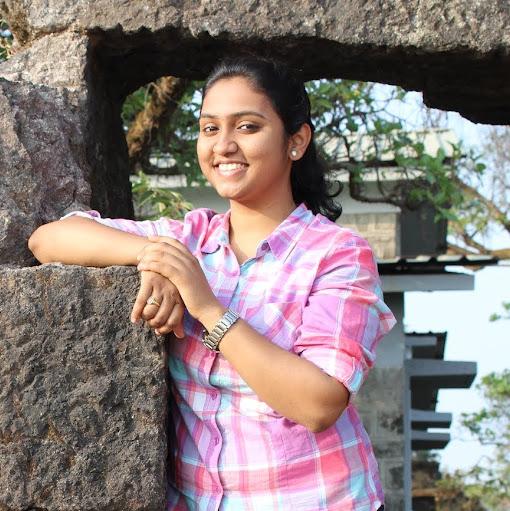 Sayali Deshpande's avatar