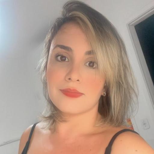 Olivia Linhares