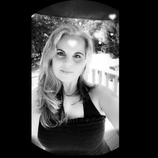 Noemi Hays