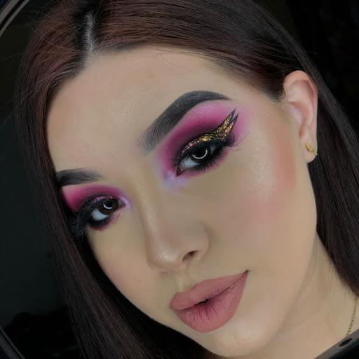 Luz E Makeup