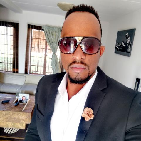 Sipho Makwenzi