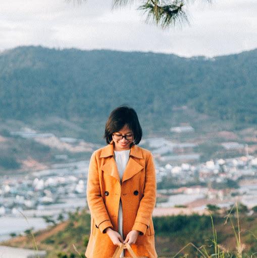 Elena Luong