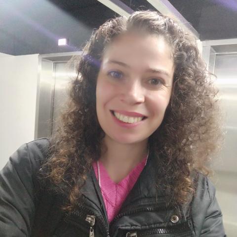 Mari Ribeiro picture
