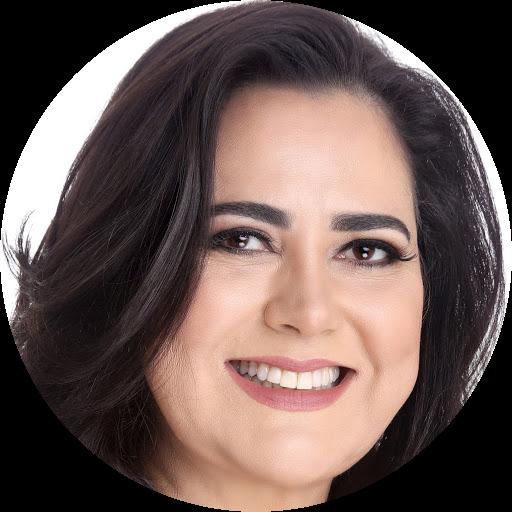 Elaine Castro