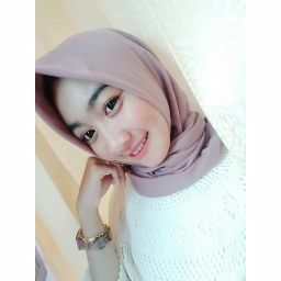 Profile picture of Risky Devy Lupitasari