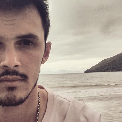 Leonardo Faria Melo