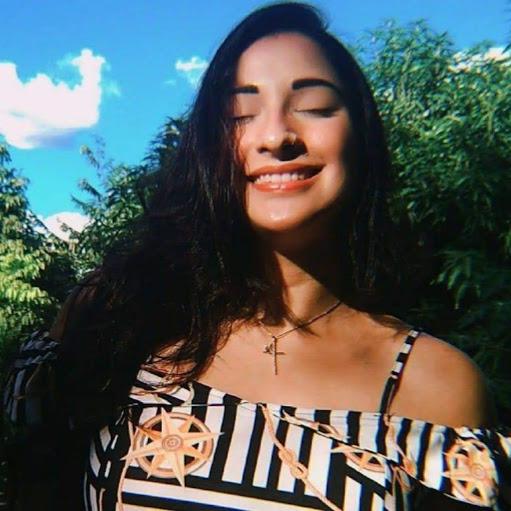 Larissa Marinho picture