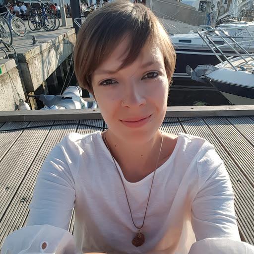 Isabelle Breitbach's avatar