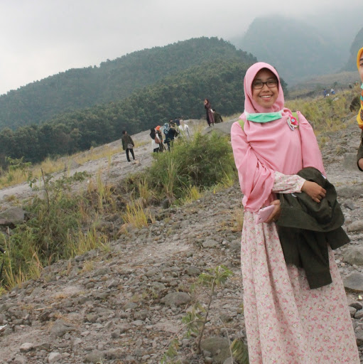 Profile picture of RESHA ADRIANA PUTRI,S.FARM.,APT