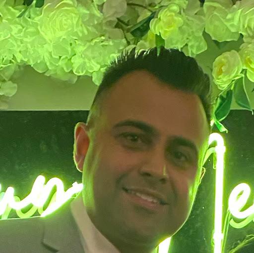 Daven Bhukhan