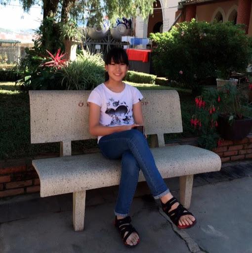 Trang Hong picture