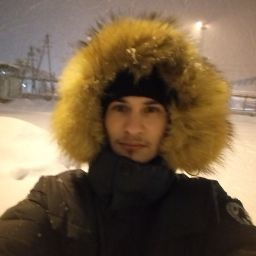 Денис Бизин