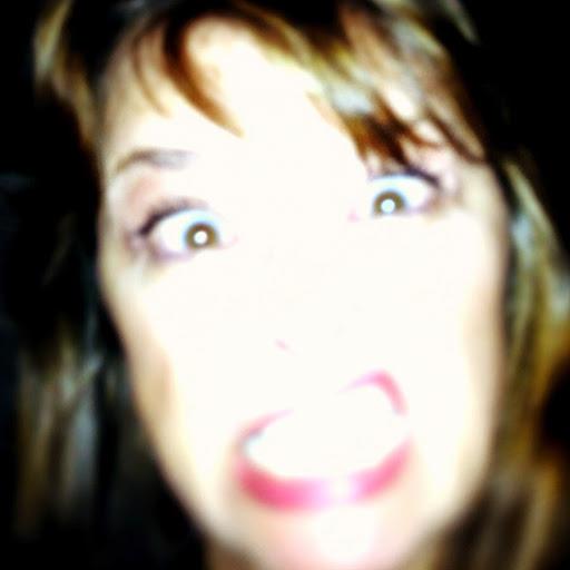 Liz Sharkie's avatar