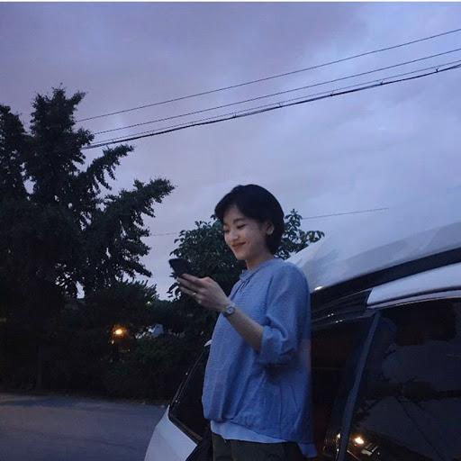 Elena Chen's avatar