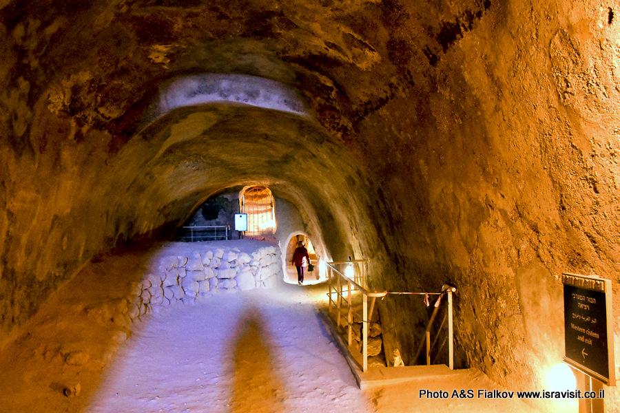 В подземных залах крепости Иродион в Израиле.
