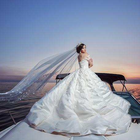 Wedding photographer Denis Vyalov (vyalovdenis). Photo of 09.02.2018