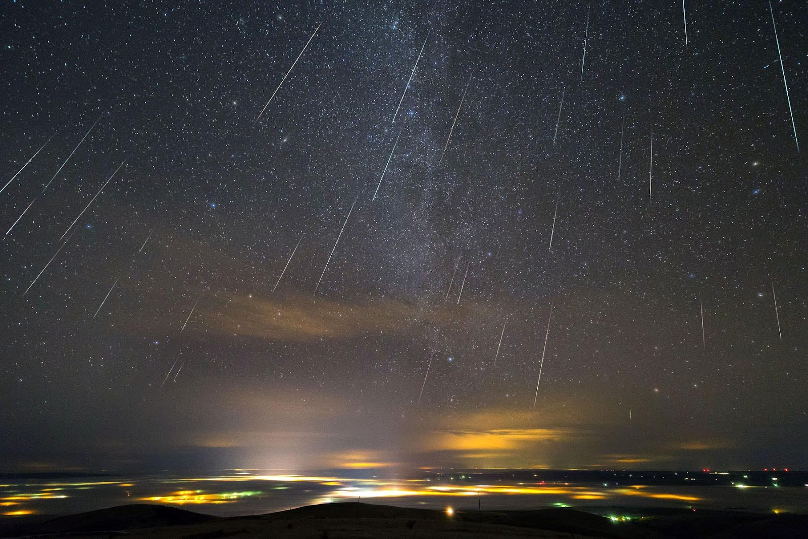 Don't Miss the Geminids this Weekend, Best Meteor Shower of the Year - Universe Today