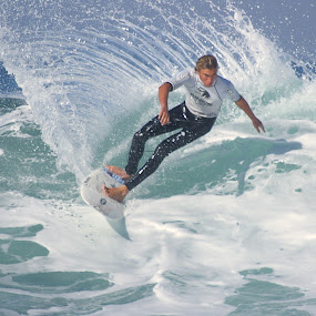 Cutback by Gavin Falck - Sports & Fitness Surfing ( surfing, wave, cutback, sport, ocean, gavin falck )