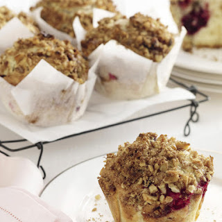 Crunchy-Topped Berry Muffins