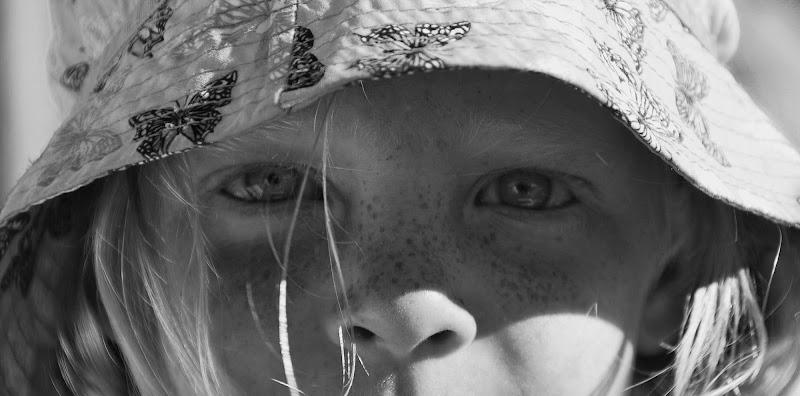 Sguardo di bambina di Nicola Rossignoli photo2017