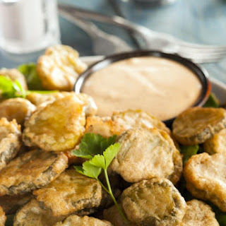 Copy Cat Hooters Fried Pickles.