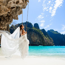 Wedding photographer Alesya Popova (intropics). Photo of 04.02.2016