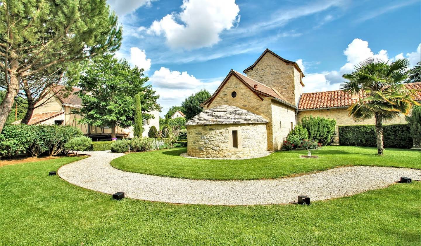 Property with pool Saint-Antonin-Noble-Val
