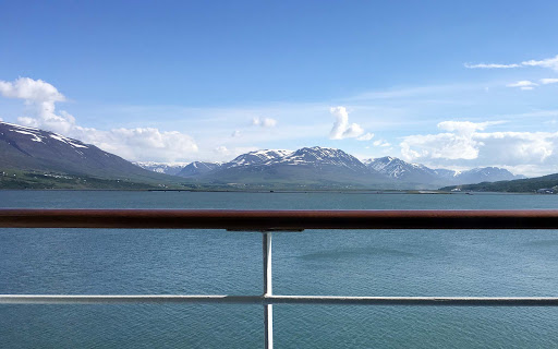 iceland-glaciers-seen-from-ship-1.jpg - This was our view from our balcony on Pacific Princess.
