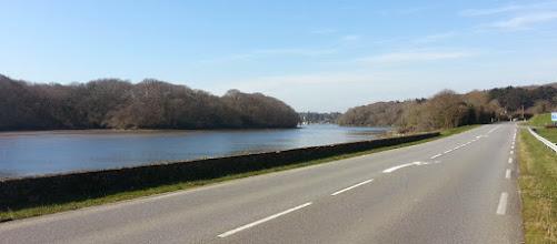 Photo: Pittoresque route longeant le Bélon, vers Riec-sur-Belon